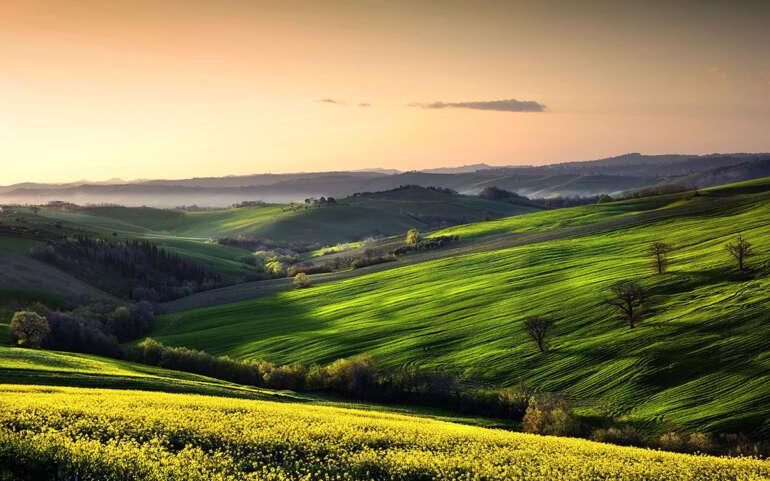 Dove trascorrere una vacanza nelle Marche scegliendo le sue dolci e verdi colline, i borghi e le zone ideali.